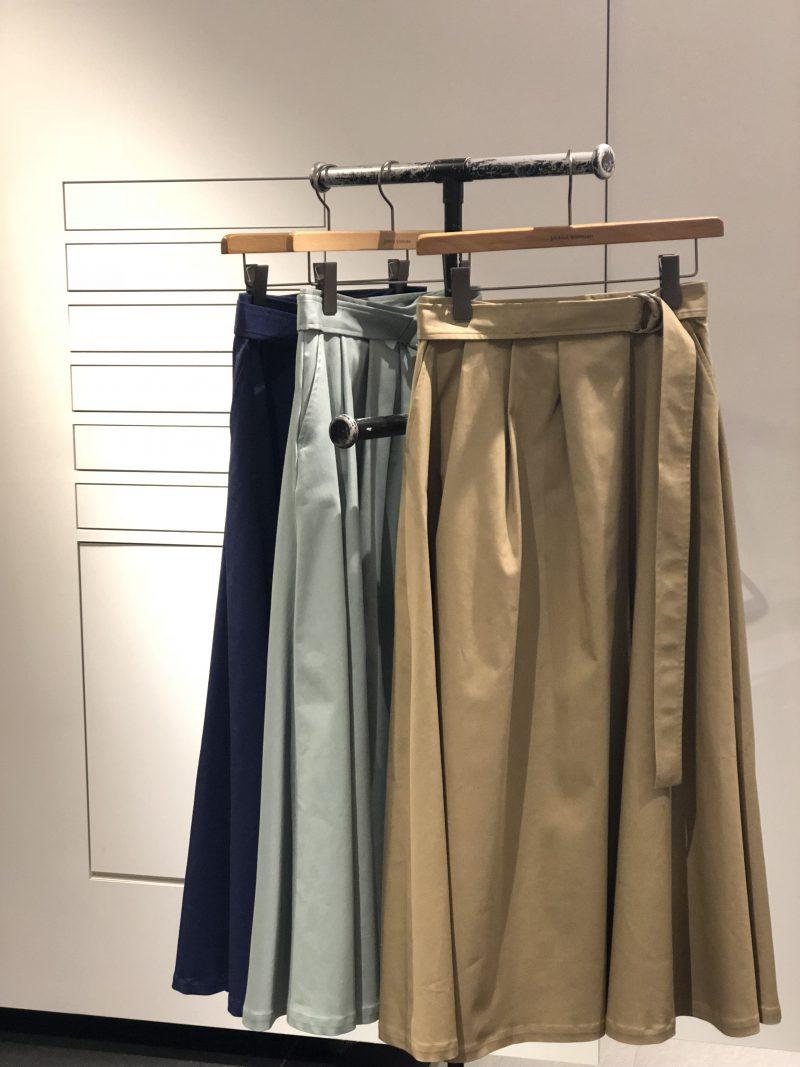 skirt(JOURNALSTANDARD)¥17,280 サイズ:36,38 カラー:ベージュ、ネイビー、グリーン 品番:18060400903010