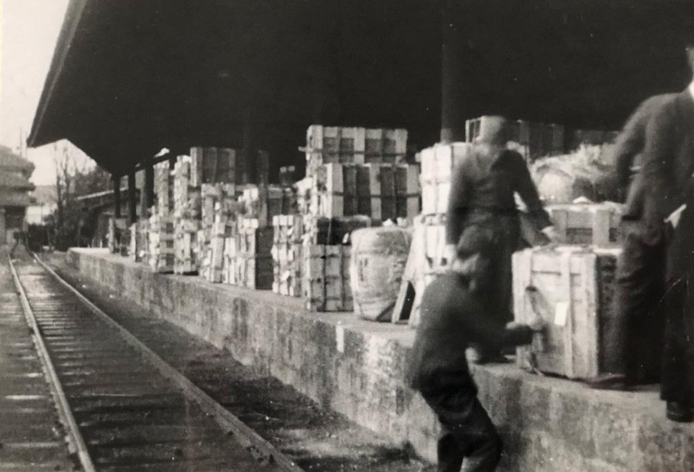 二条駅から満州へ軍需物資を発送